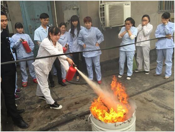 宜昌市嘉和翔脑瘫儿童康复中心开展消防演练活动